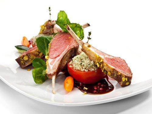 """We hebben onze menukaart vernieuwd. Het bevat een aantal nieuwe gerechten en een paar van onze klassiekers hebben we voorzien van een andere """"twist""""."""